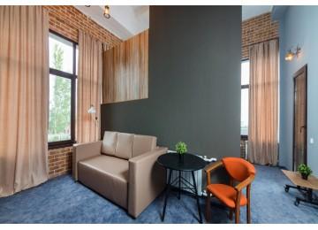 Отель «Beton Brut» Бетон Брют 3-местный 2-комнатный junior suite LV