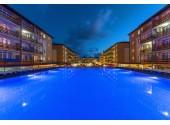 Отель «Гранд-Круиз», бассейн