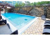 Отель «Плаза», бассейн