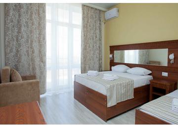 Отель «Venera Resort» / «Венера Ресорт» Комфорт 3-местный